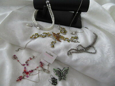 VINTAGE BULK LOT OF  6- BEAUTIFUL JEWELLERY SETS    great for resale