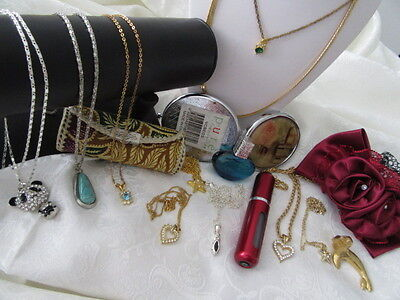 Vintage Bulk Lot Of 16 Necklaces And Pendants  & Other Jewellery Pieces  1