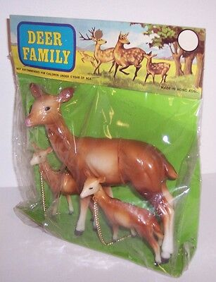1960's Vintage Hard Plastic DEER FAMILY in Original Package DOE & FAWNS w Chains