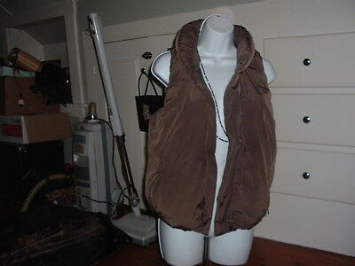 Womens gap size small down vest Brown (never worn)