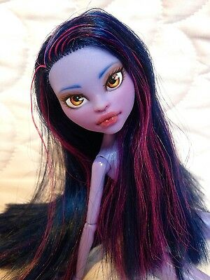 Gorgeous OOAK monster high custom repaint!