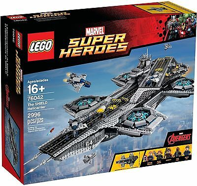 """LEGO 76042 Super Heroes The SHIELD Helicarrier """"Hard to find"""" """"Brand new in box"""""""