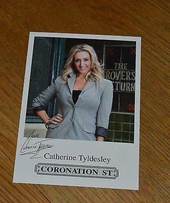 """Catherine Tyldesley Coronation Street Pre-Printed Signature Cast Card 6"""" X 4""""."""