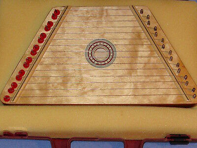 EUC estate MUSIC MAKER zither LAP HARP / Sheet Music/ Hard case MSRP $75