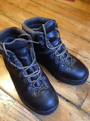 Scarpa Ranger Mountain Boots worn 3 times UK7 over £200 new