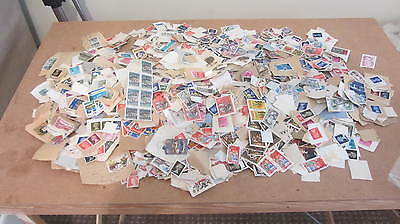 A large job lot of assorted world & UK stamps - collecting and hobbies #2