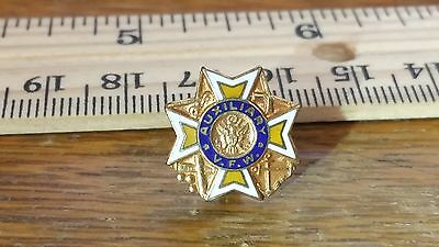 Vintage VFW Veterans of Foreign Wars Auxiliary Enameled Lapel Pin