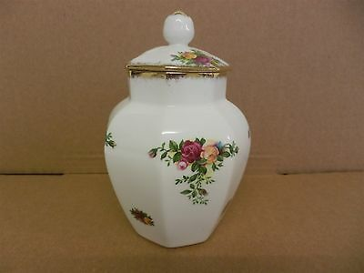 ROYAL ALBERT BONE CHINA OLD COUNTRY ROSES - Lidded Spice/Preserve Pot (21)