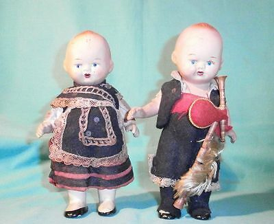 Massepuppen in Tracht m. Dudelsack 18 cm/ composition doll in costume & bagpipes