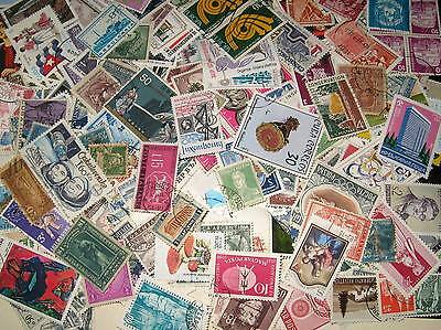 Off and on paper world stamp bags of 1000ish free postage included