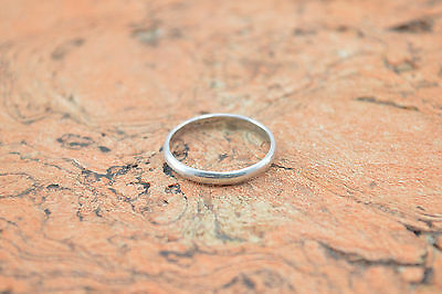 Delicate Simple Band Ring Size 9 Sterling Silver 1.9g Vintage Estate