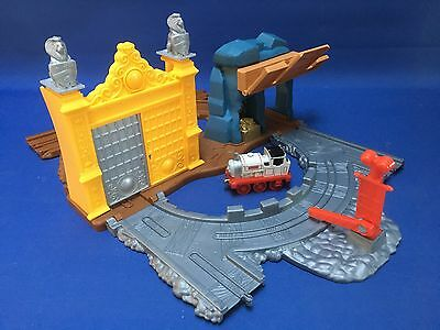Thomas The Tank Engine Take N Play King Of The Track Set