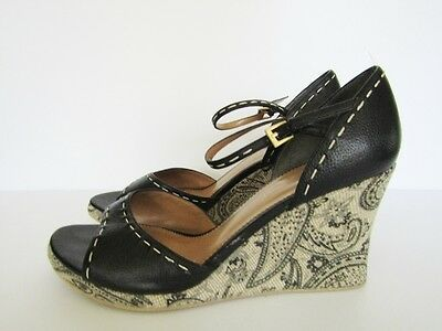 BANDOLINO Womens Black Leather Wedge Sandals with Printed Heels, Sz. 9.5 M