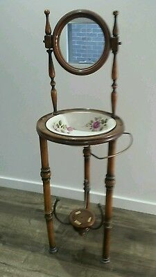 Antique stand wash basin