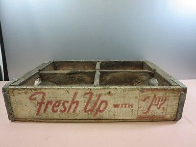 Vintage 7UP  Wooden Crate with 4 Sections Bottle Holder Crate