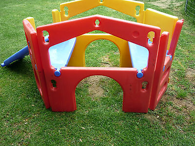 Outdoor Play-gym hours of fun 4 Little Tikes
