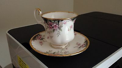 Royal Albert Bone China - Balmoral