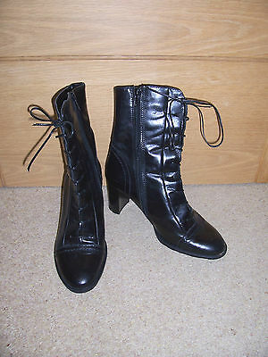 Ladies Clarks Black Leather Lace Up / Zip Ankle Boots Size 4