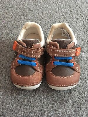 baby boys clarks shoes Size 2G