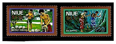 Niue Top Values Stamps. Coconut Husking/Uga Hunting. MNH.  #2036