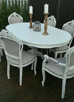 Elegant shabby chic french / Italian style table with 6 chairs