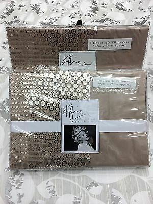 Kylie Minogue At Home Vida Gold Pair Of House Wife Pillow Cases