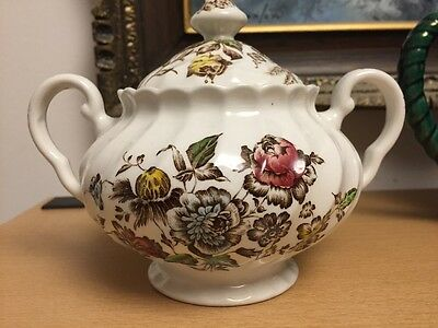 Johnson Brothers STAFFORDSHIRE BOUQUET Sugar Bowl & Lid