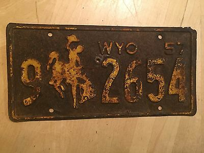 """1957 Wyoming Passenger License Plate """" 9 2654 """" Wy  Bronco Ready To  Be Restored"""