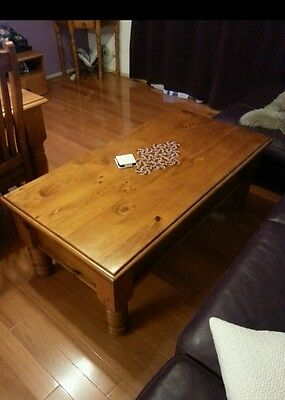wooden coffee table 2 x drawers