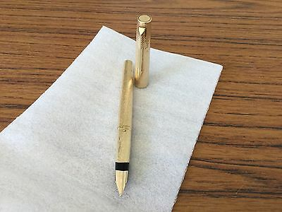 Parker 105 Gold Bark Pattern Fountain Pen Collectable NOS