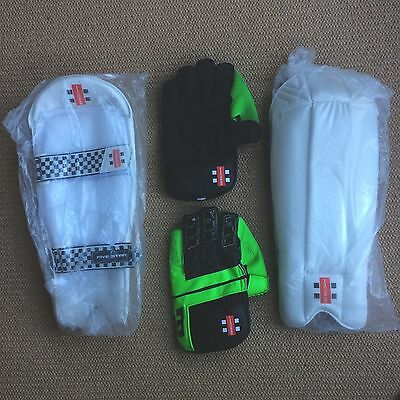 Gray-Nicolls Powerbow X Players Wicket Keeping Gloves and Five Star Pads