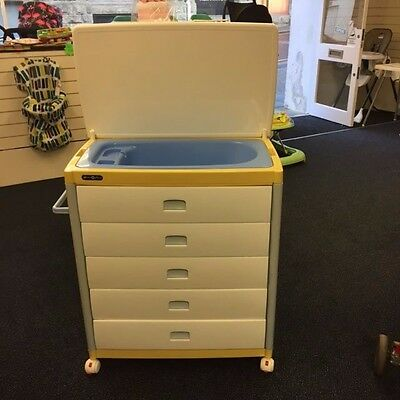 Mamas And Papas Baby Bath And Storage Unit Lovely Condition