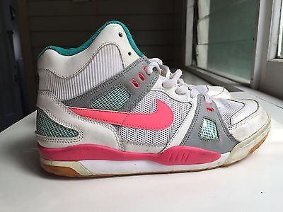 Nike High Top Sneakers Size 9 Or 40.5 41