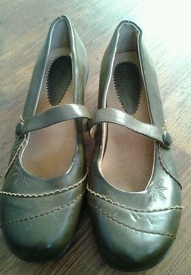 ladies leather flat brown shoes size 5