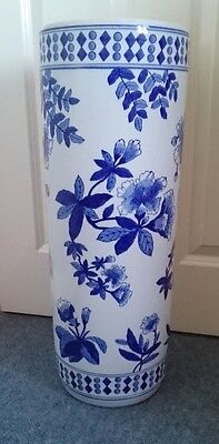 Large Oriental Chinese / Japanese Blue & White Porcelain Umbrella Stand Floral
