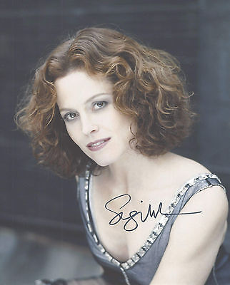 """Hand-Signed Photograph of Sigourney Weaver 10""""x8"""" with COA"""