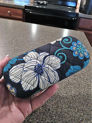Vera Bradley Clamshell Quilted Eyeglasses Sunglasses Glasses Case - Blue Pattern