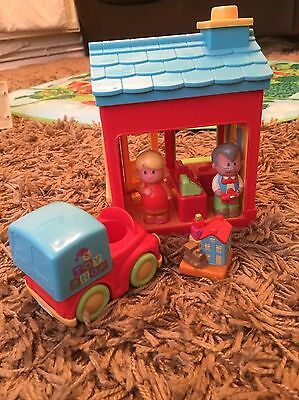 ELC Happyland Toy Shop, People & Accessories - Fab!
