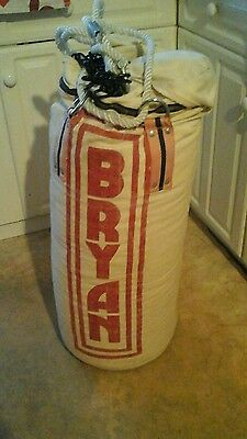 BRYAN Punch Bag and hanging chain