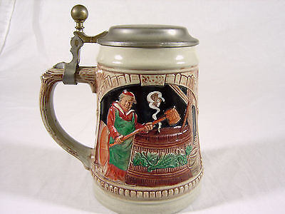 Decorative lidded stein tankard