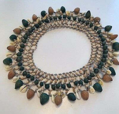 Papua New Guinea necklace of seeds and shells