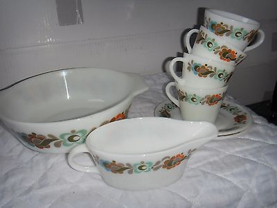 "Pyrex vintage ""tempo"" items casserole plates cups and gravy boat"