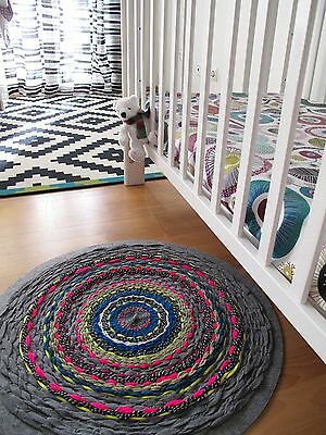 Handmade round rug exclusive