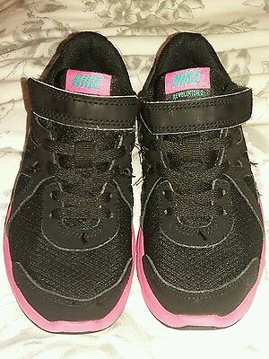 girls nike black/pink trainers size 12