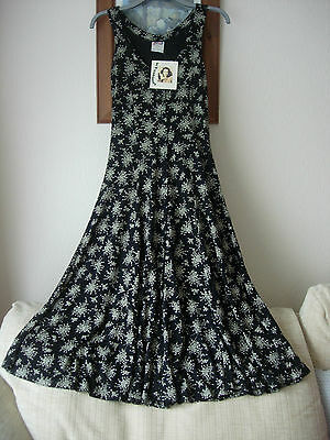 JUMP - VINTAGE FULL LENGTH DRESS - 1980's - SIZE 10 - BLACK/WHITE FLORAL DESIGN
