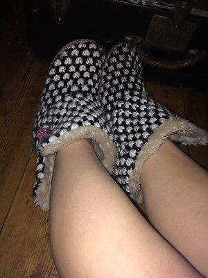 Well Worn Ladies Slippers Size 4 Accessorise Warm Holes Fluffy