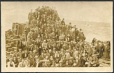 """Co. ANTRIM - REAL PHOTO PCARD OF """"THE MAXWELL PARTY"""" AT THE GIANTS CAUSEWAY"""