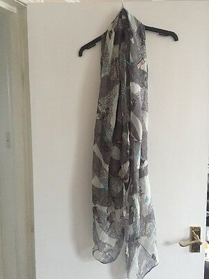 Womens boutique long white and grey patterned scarf