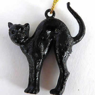 Vtg 1960s Black Cat Charm Hang Tag Zeller Schwarze Katz Wine Plastic Multiples