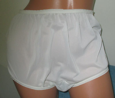 Vintage Unbranded White Ultra Sheer Nylon Mushroom Gusset Granny Panties Brief 6